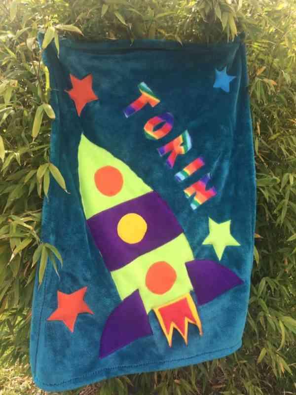 Rocketship Snuggle Blanket - 39969544 2123259007708167 137816790334963712 n