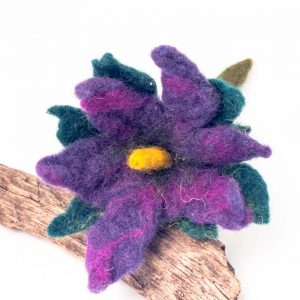 felt purple flower brooch handamde by Ertisun