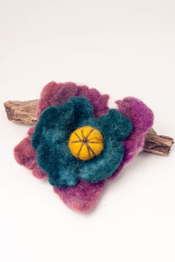 felt brooch flower leaves ertisun