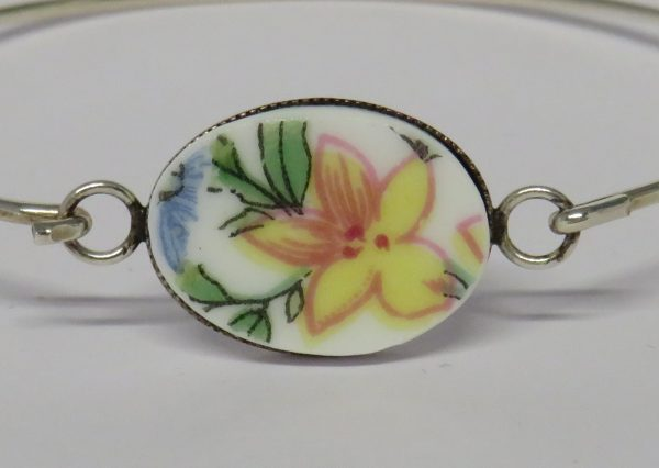 Bangle with Vintage China Yellow Flower - IMG 0044a
