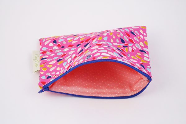 Pink Teardrop Makeup Bag - IMGL7407 scaled