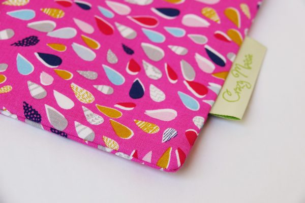 Pink Teardrop Makeup Bag - RX308395x3000 scaled