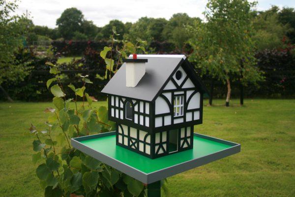 Tudor Cottage Birdhouse - IMG 0343 scaled