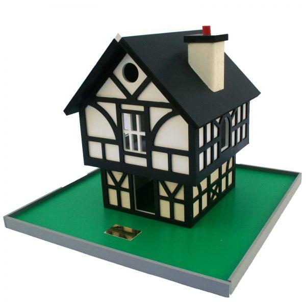 Tudor Cottage Birdhouse - tudor 3