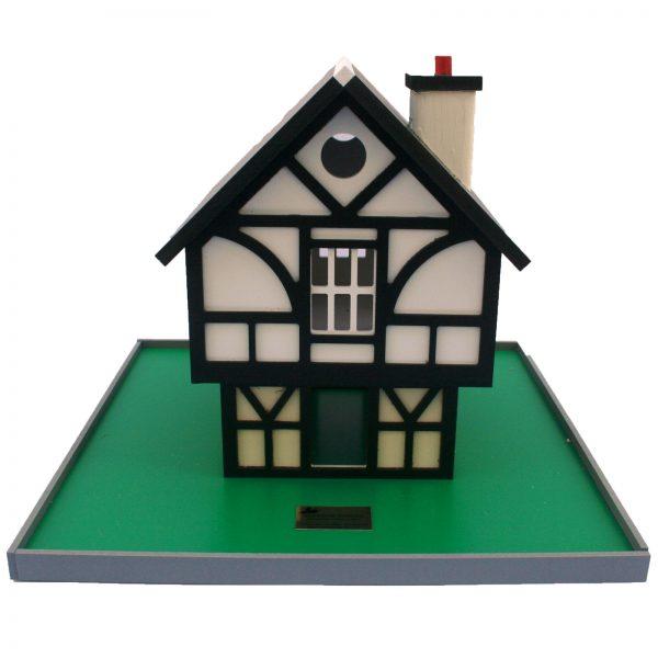 Tudor Cottage Birdhouse - tudor 4
