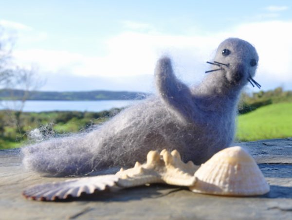 Bantry Bay Seal Needlefelted Decoration - 8297A09A 2985 4648 9817 FB736F5250A5 1 201 a