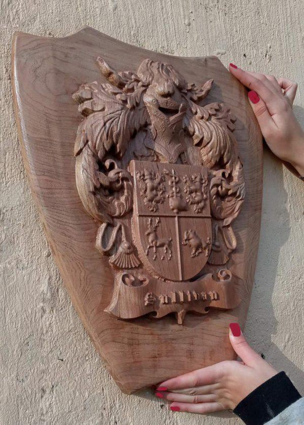 Irish Handcrafted Family Crest & Shield - IMG 000d091ce7097ac9116e021b1f94ca81 V