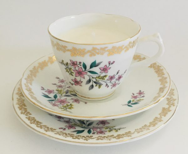 Teacup Candle - Floral & Gold Royal Grafton Fine Bone China