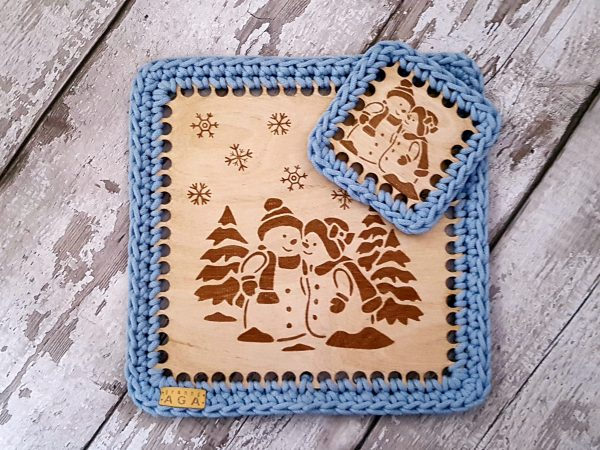 Set Of 2 Christmas Crotchet And Plywood Square Table Mat & Coaster