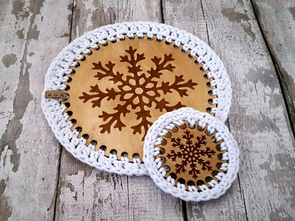 Set Of 2 Christmas Crotchet And Plywood Round Table Mat & Coaster - 20201113 114050