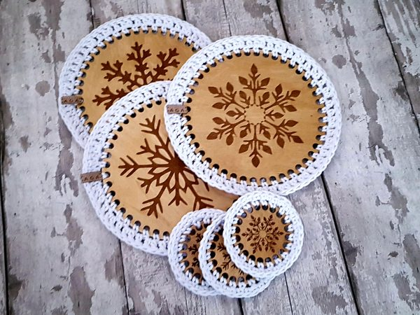 Set Of 2 Christmas Crotchet And Plywood Round Table Mat & Coaster - 20201113 114208