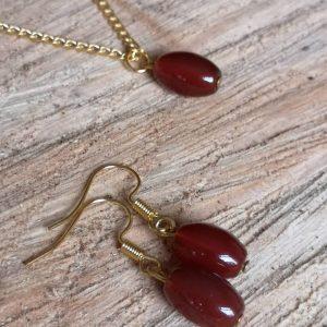 Oval Garnet Gemstone Pendant & Earrings