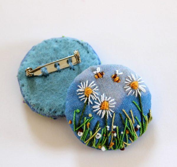 textile brooch Meadow Bees