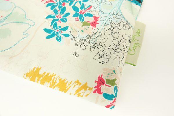 White Floral Makeup bag - RX300238