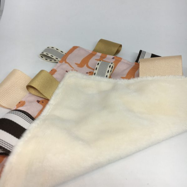 Sensory Tag Blanket Meerkat - C3B1DCDF 20B9 4450 909D B29CF3BAD128 rotated
