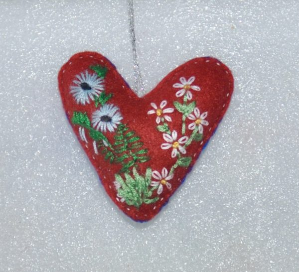 One-of-a-Kind Embroidered Heart - red - DSC 0960 1
