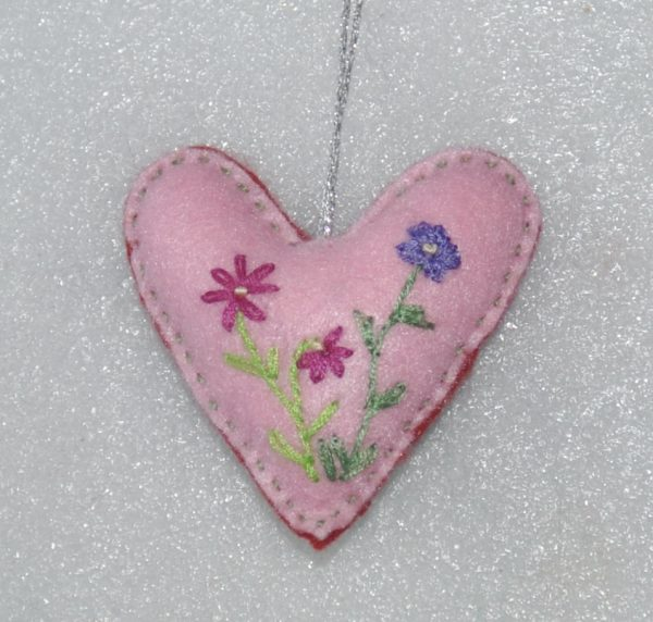 Red Embroidered Heart Daisy Floral - DSC 0963