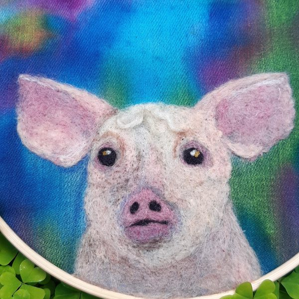 Little Piggy - Embroidery Hoop Art - 20200522 151058