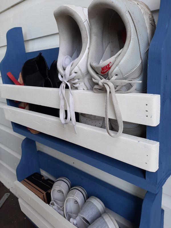 Rustic Shoe Rack - 20210312 160603 rotated