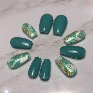 Tiffany Press-On Nails