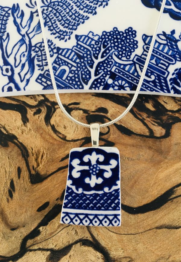 Vintage China Necklace - Iconic Willow Pattern 6 - 991D84EF 2FDE 44BE B402 D0A145D7BB74