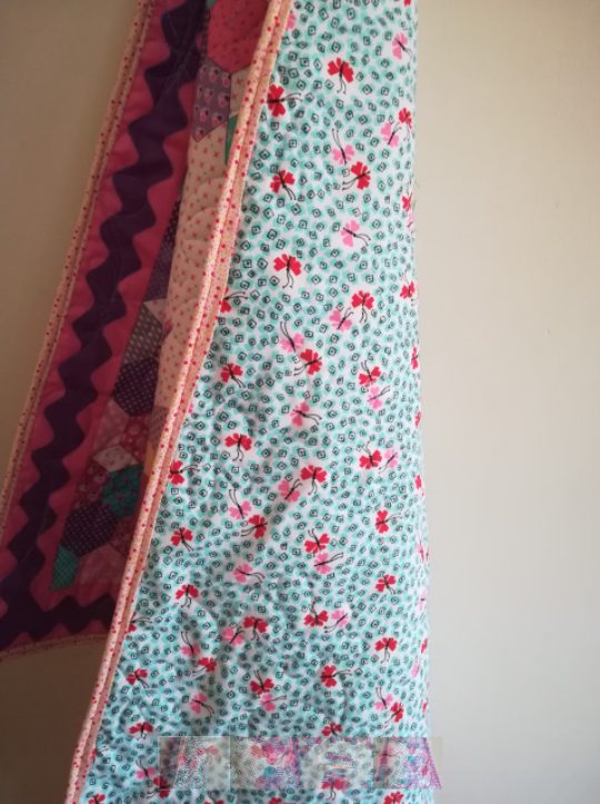Girly Quilt With Perfectly Matching Backing and Binding - girlquilt1