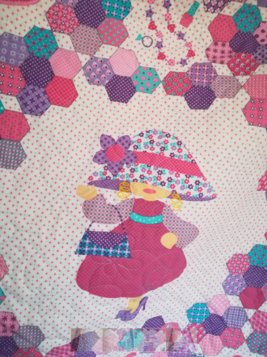 Girly Quilt With Perfectly Matching Backing and Binding - girlquilt2