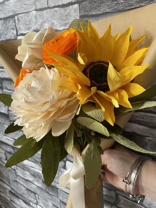 Crepe paper flower bouquet with sunflower - IMG 1233