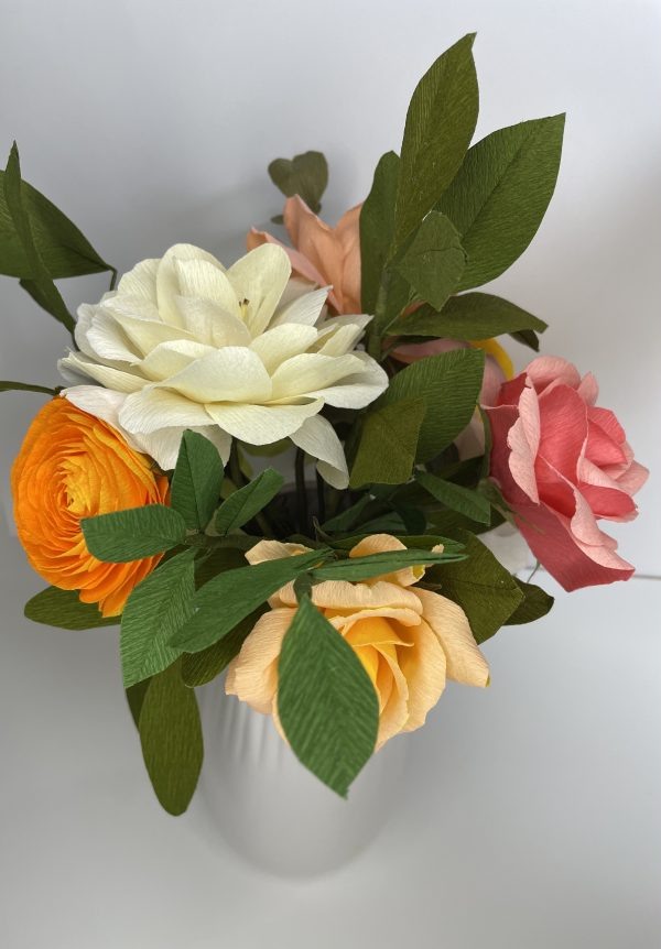 Crepe paper flower arrangement with roses, ranunculus and hydrangea - IMG 1259 2