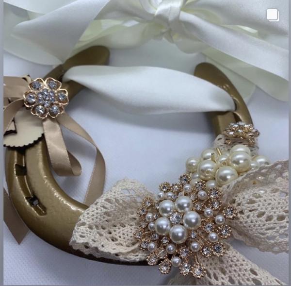 Classic Gold Wedding Horse Shoe - 479F7B71 9666 4DB4 B521 581DF1CBD8C0