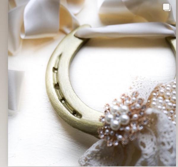 Classic Gold Wedding Horse Shoe - E087A16C 227E 45CD 9E39 8D9B166590D5