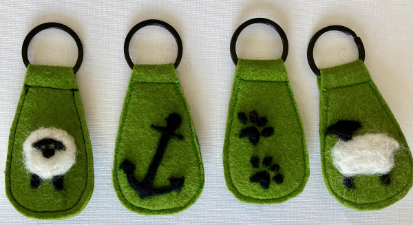One-of-a-Kind Keyring Collection, Green - IMG 5200 scaled