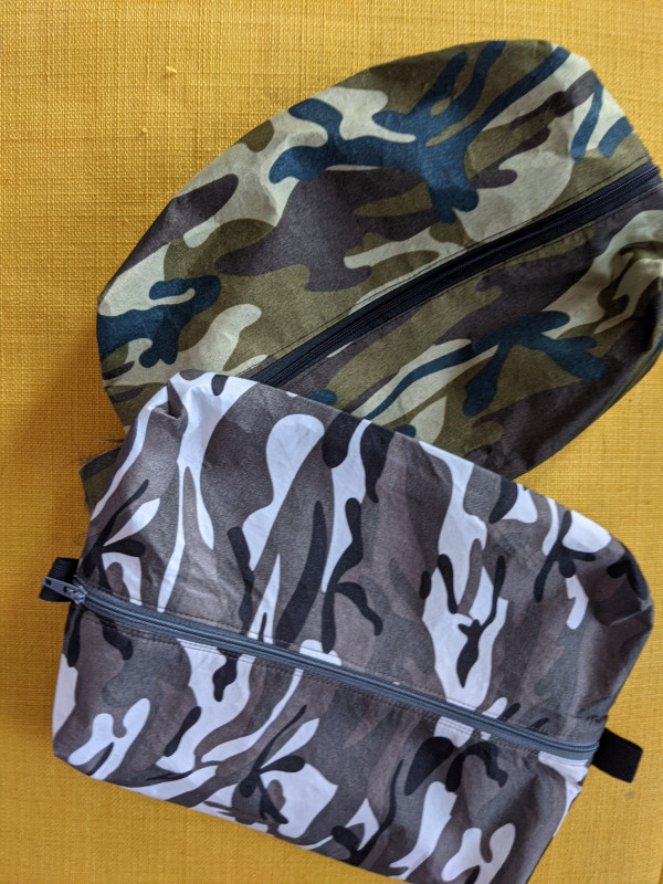 Camouflage Men's Toiletry Bag with Card - PXL 20210527 061153465 scaled