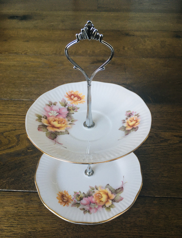 Cake Stand - 2 Tier Floral Regal Heritage Fine China - 7DE9B15A F8E7 4C7D B190 2095EE60A85F scaled