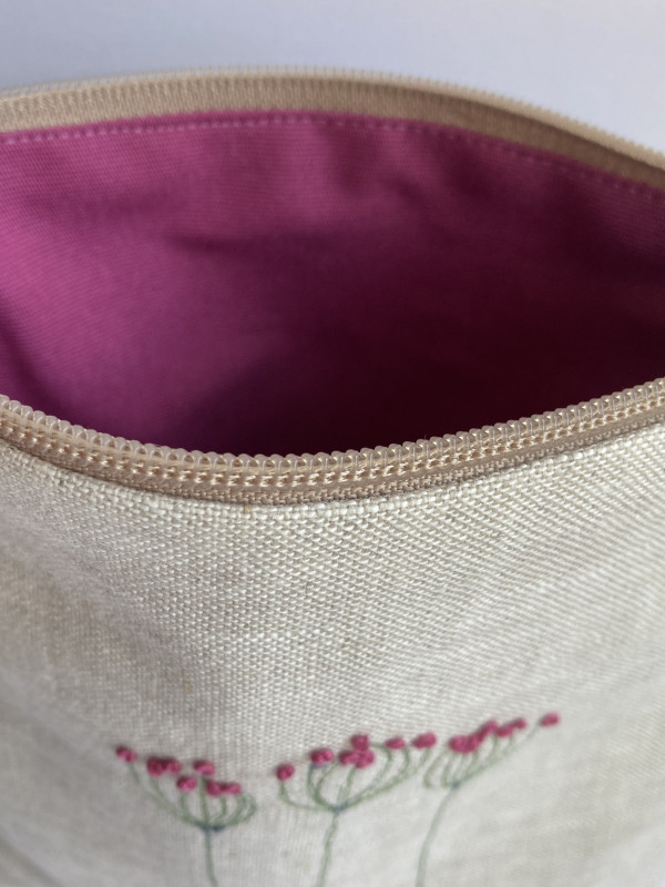Natural Zipped Linen Pouch (pink) - B184D33D 9E46 4ABA 9DF1 1FA183FE7FBE 1 201 a scaled