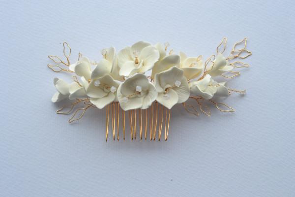 Eabha Bridal Flower Comb - flower comb close up ad