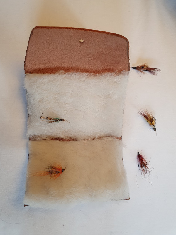Fly Fishing Streamer Wallet with Sam Brown Fastener - 20210803 175917 scaled