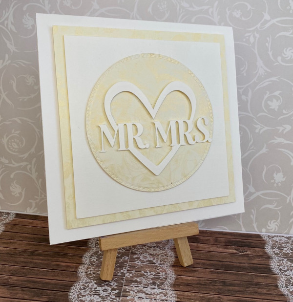 Mr & Mrs Elegant Wedding Card - IMG 4667 1