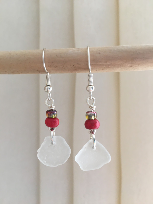 Sea Glass & Red Bead Earrings - 87976D05 D899 4EF1 B02B 5C8114005EA4 scaled