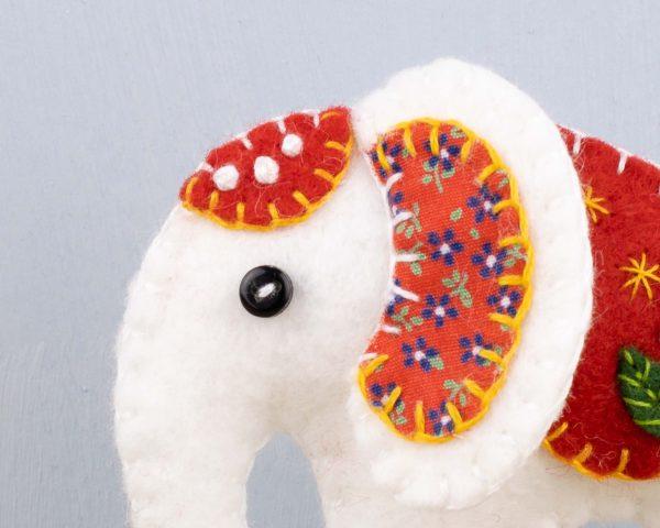 White Elephant Felt Ornament - 9th March 157 2 scaled