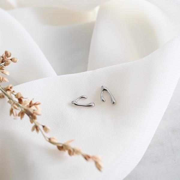 Wishbone 925 Sterling Silver Stud Earrings - DSC 1873 scaled