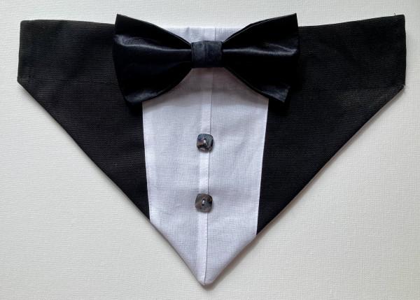 Reversible Tuxedo Dog Bandana - Grey and Black - IMG 6007 scaled