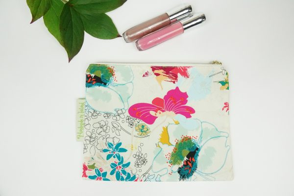 White Floral Makeup bag - RX302171 scaled