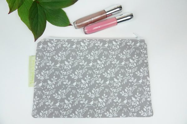 Grey and White Floral Makeup Bag - RX302179 scaled