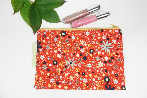 Red Daisy Makeup Bag - RX302185 scaled