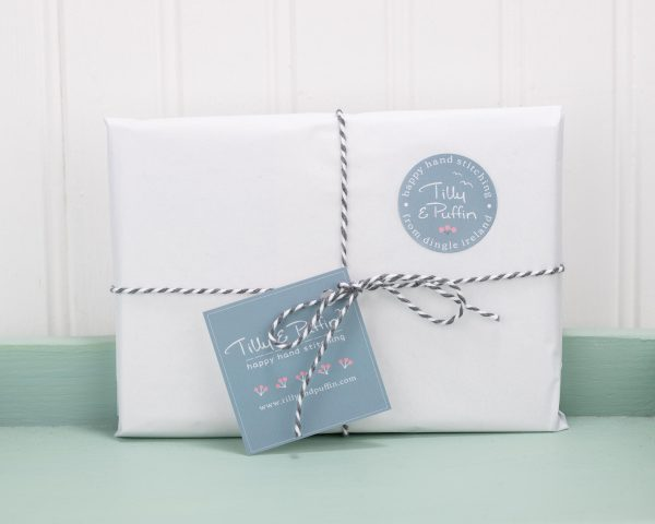 Seagull Greeting Cards Pack of 5 - packaged cards green tray scaled