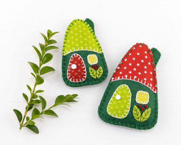 Little House Felt Ornaments Set (Red & Green)