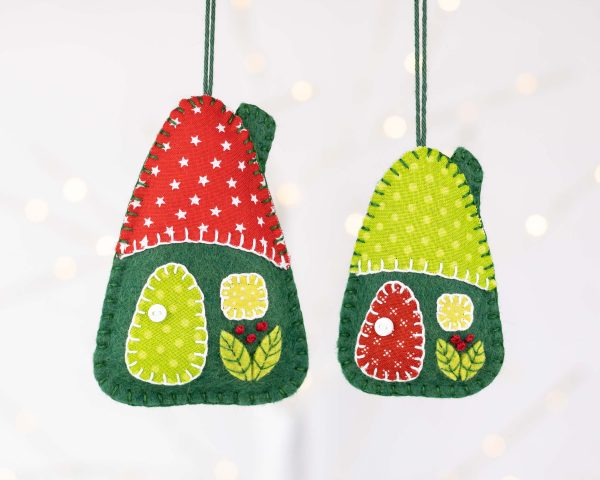 Little House Felt Ornaments Set (Red & Green) - 10th August 1901 scaled